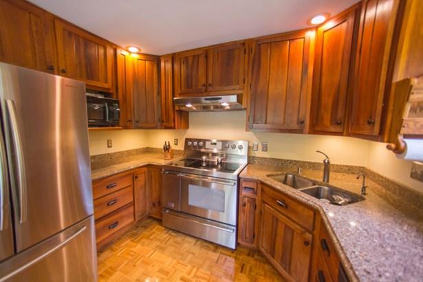 Kitchen w/SS Appl. & Granite (photo 5)