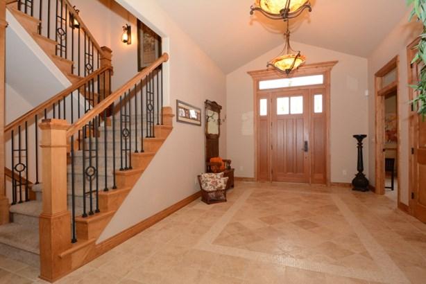 Entry Foyer (photo 5)