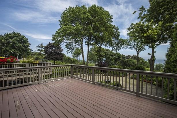 Oversized Deck & Lake Views (photo 2)