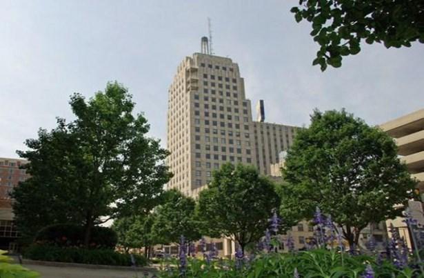 Wisconsin Tower Condominium (photo 1)