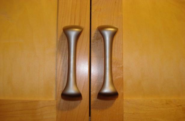 Custom kitchen hardware (photo 4)