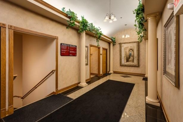 Entry & Staircase (photo 2)