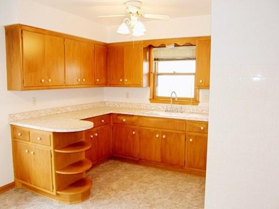 Lower - Kitchen (photo 3)