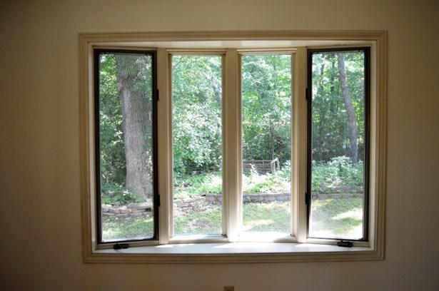 Bay Windows in Family Room (photo 4)