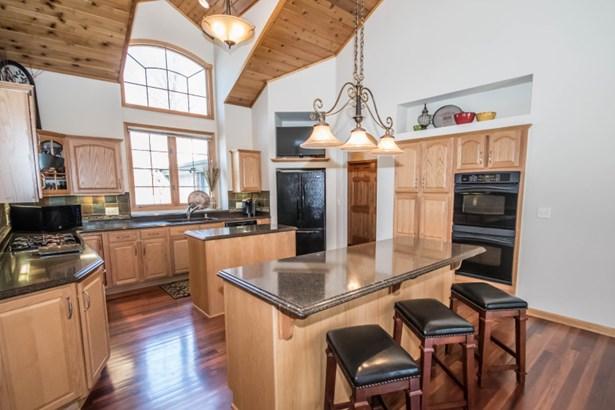 Stunning Kitchen (photo 5)