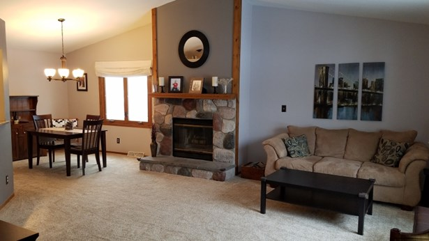 Cozy Natural Fireplace (photo 4)