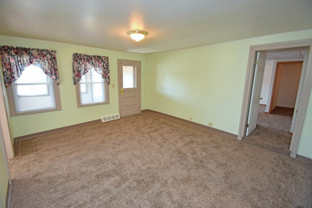 Living Room Lower (photo 4)