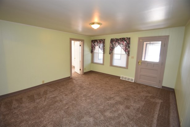 Living Room Lower (photo 5)