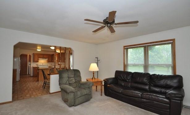 Cozy Family Room (photo 4)