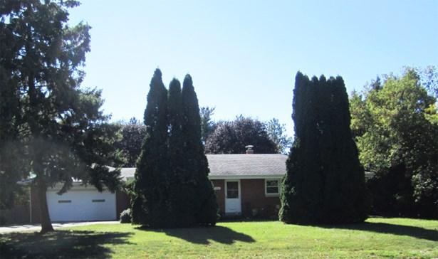 Brick Ranch front (photo 3)