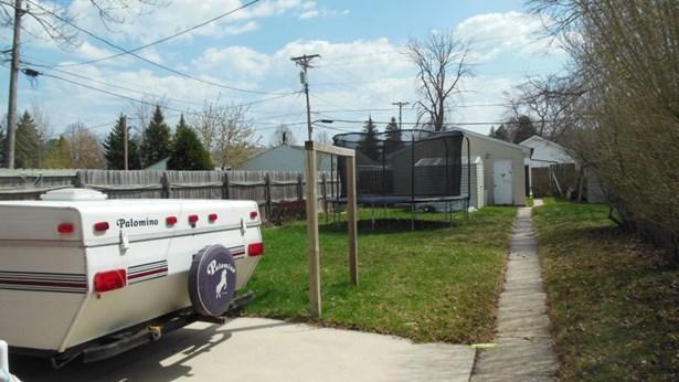 Back Yard (photo 5)