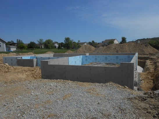 Under Construction (photo 3)