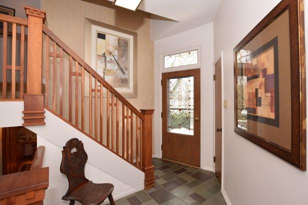 Entry Foyer (photo 3)