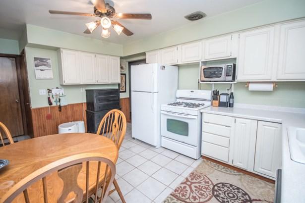kitchen v2 (photo 5)