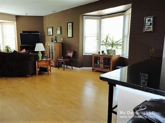 Natural Light & Hardwood Floor (photo 4)