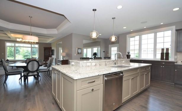 Gorgeous Open Kitchen (photo 2)