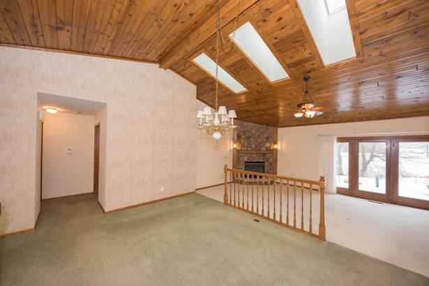 Generous Sized Dining Room (photo 4)