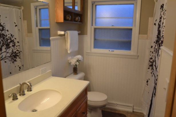 Lower Bath (photo 4)