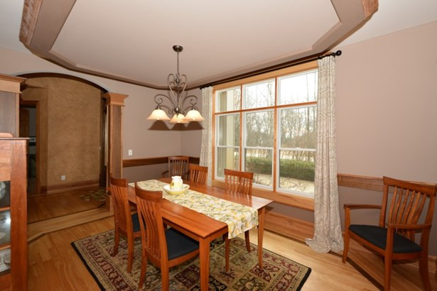 Sunroom (photo 5)