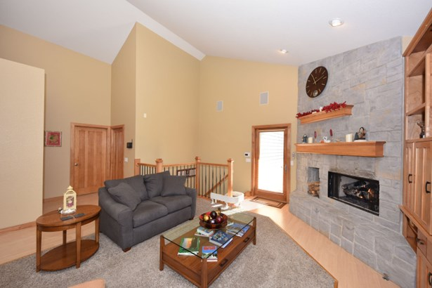 Gas Fireplace and Built-Ins (photo 3)