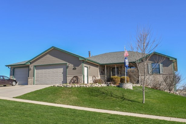 Great Ranch Home (photo 1)