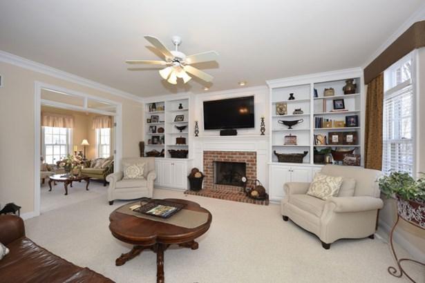 Family Room (photo 3)