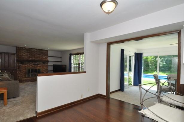 Kitchen to Family/Sun Rooms (photo 5)