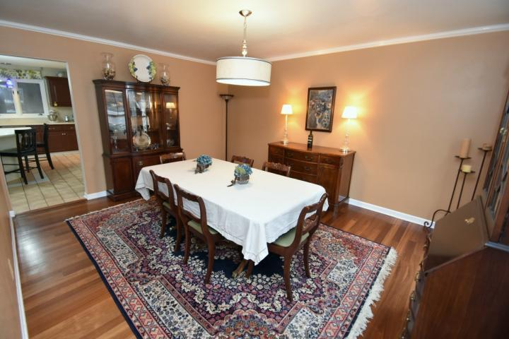 Dining Room (photo 3)