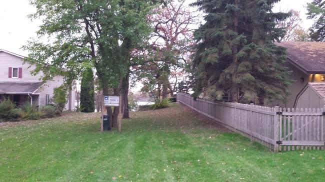 Lake access across street (photo 2)