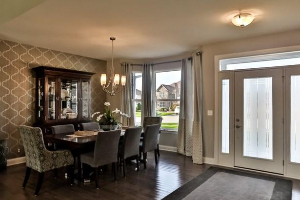 Foyer - Dining Room (photo 2)