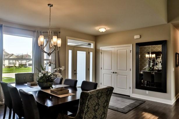Foyer - Dining Room (photo 3)