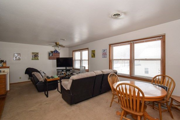Living Room-upper south side (photo 3)