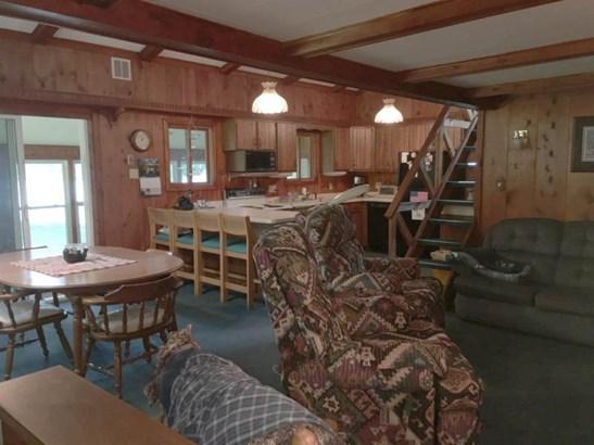 Kitchen & dining area (photo 4)