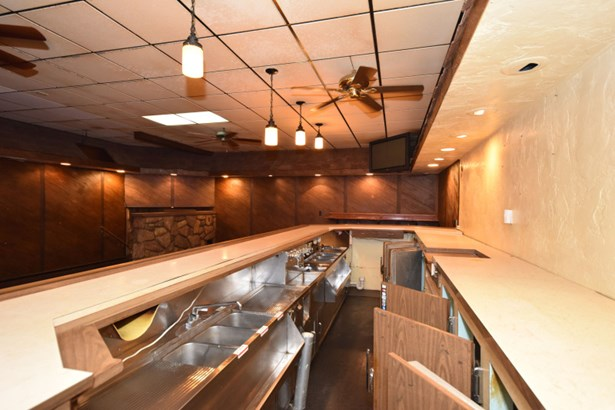 Bar (photo 4)