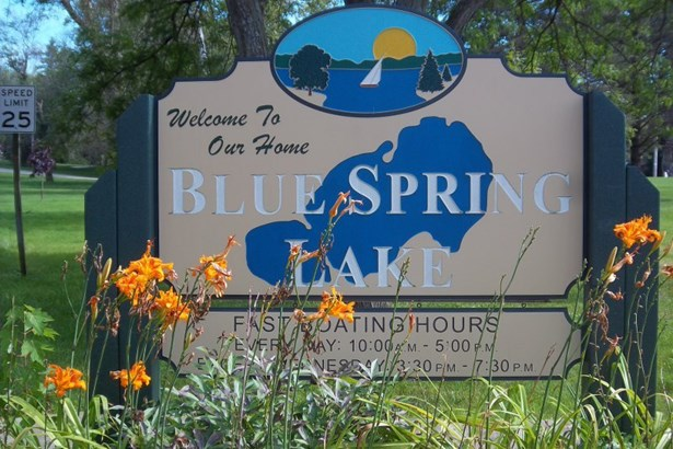 Welcome to Blue Spring Lake (photo 1)