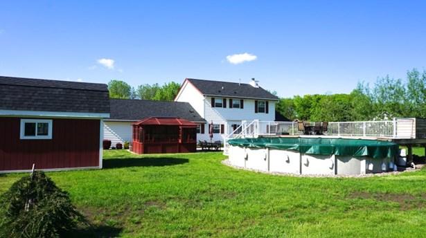 Back yard (photo 2)