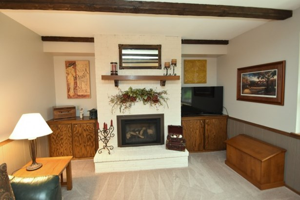 Kitchen and Dinette (photo 3)