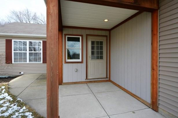Gorgeous Cedar Porch (photo 2)
