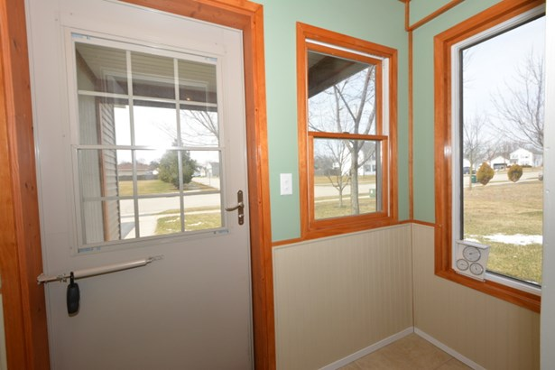 Front Entry Mudroom (photo 3)