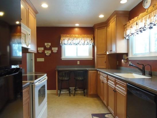 Updated Kitchen corian counter (photo 5)