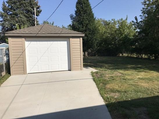 Newer Garage (photo 2)