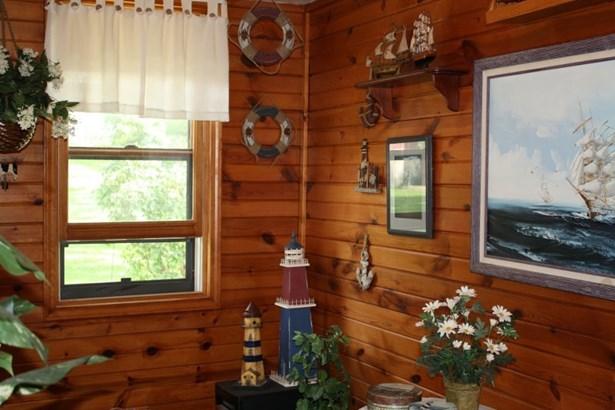 3 Season Room (photo 4)