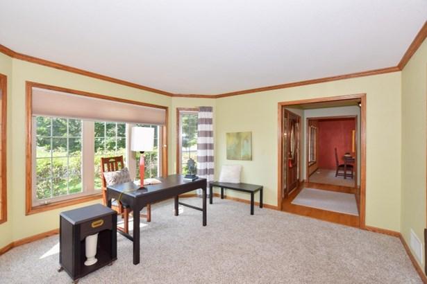South Facing Living Room (photo 3)