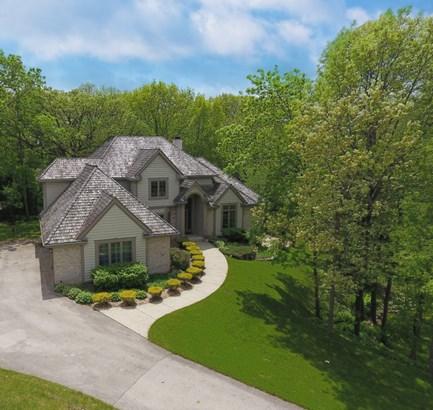 Custom Built Beautiful Home (photo 1)