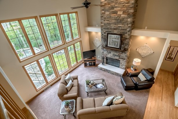 Dramatic Two Story Great Room (photo 3)