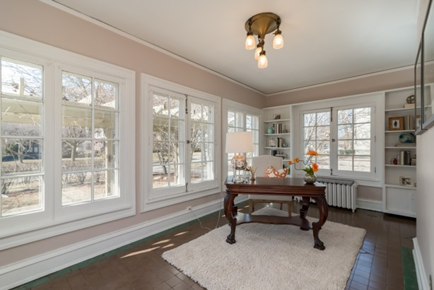 Sunroom off of the living room (photo 4)