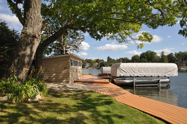 Boathouse & Piers (photo 4)