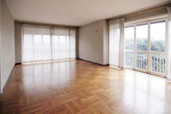 Via Ippolito Nievo, Apartment, Milano - ITA (photo 2)