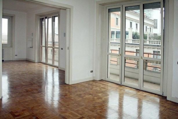 Via Morozzo Della Rocca , Apartment, Milano - ITA (photo 1)