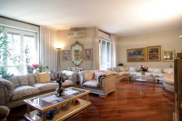 Viale Ranzoni, Apartment, Mlan - ITA (photo 1)